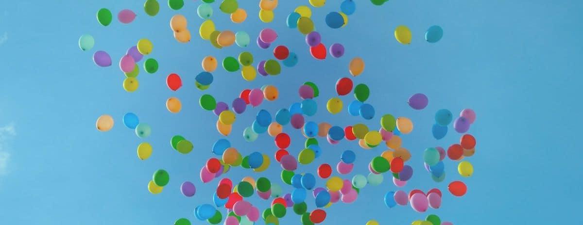 Lâcher de ballons colorés